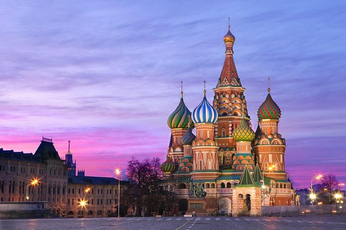 Православный храм, расположенный на Красной площади в Москве.