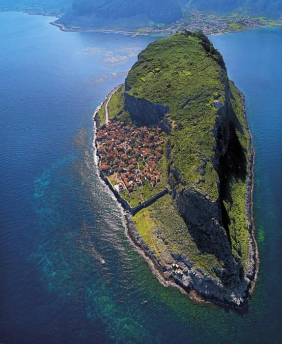 Один из самых маленьких городов в мире.