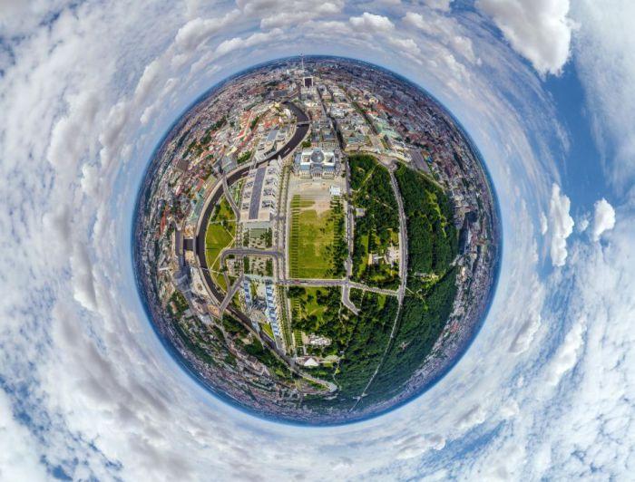 Столица Германии, самый крупный и самый населённый город.