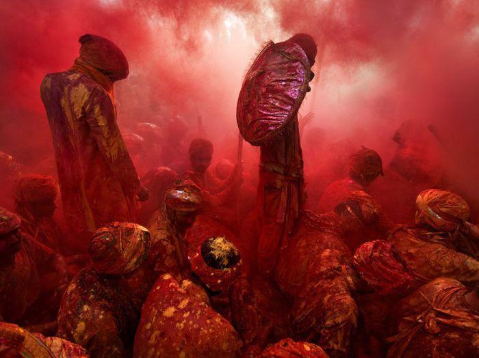 Холи - индусский праздник любви, Индия. Фотограф: Tarun Chhabra.