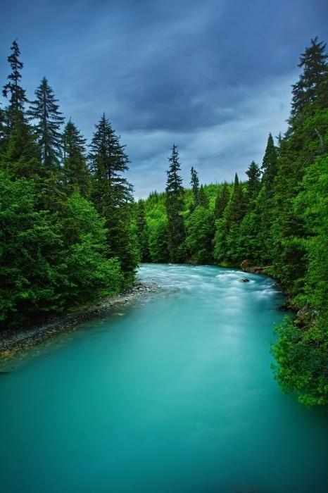 Самая крупная река в Канаде.