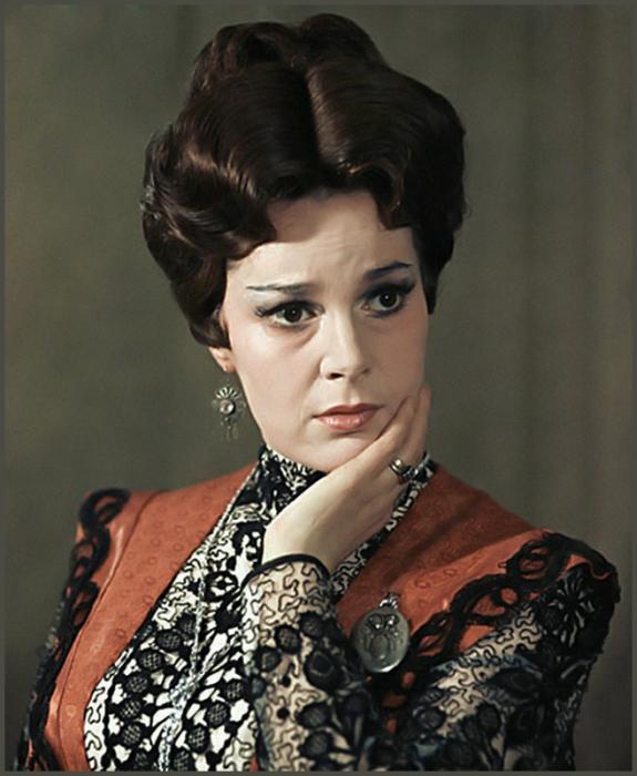Актриса, сыгравшая много ролей в театре и кино.   Фото: peoples.ru.