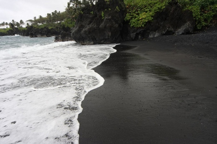 Черный берег–Пуналуу, Гавайские острова.