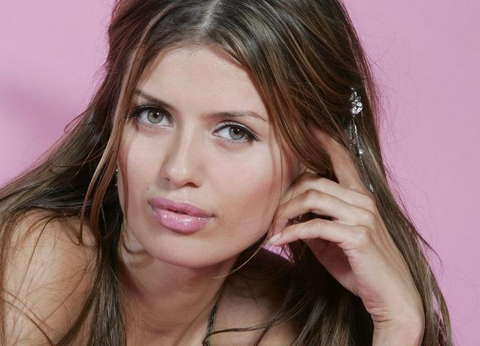 Российская теле-, радиоведущая, актриса, модель и бывшая участница реалити-шоу «Дом-2».
