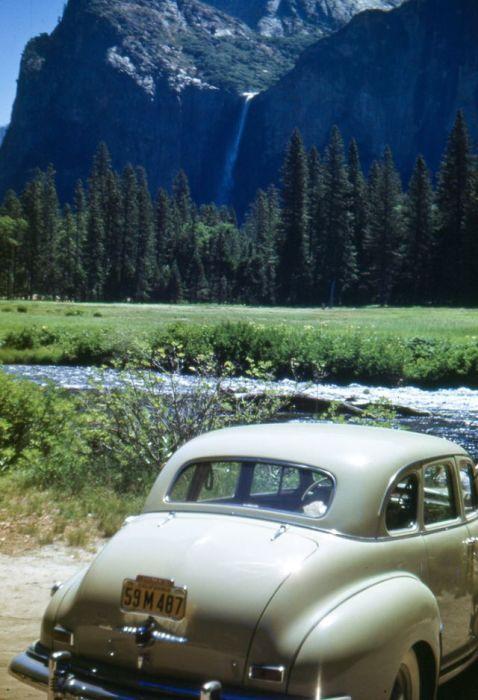 Йосемитский национальный парк, который распростерся на западных склонах Сьерра-Невады в штате Калифорния.