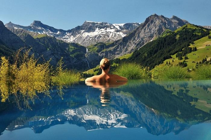 Уникальное место, расположенное в живописном Адельбодене, предлагающее захватывающие виды на швейцарские Альпы.
