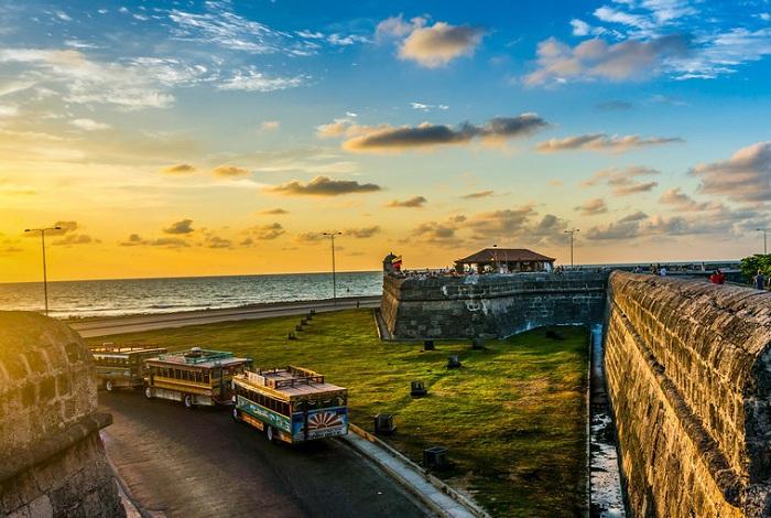 Колоритный город-порт на Атлантическом побережье Колумбии.