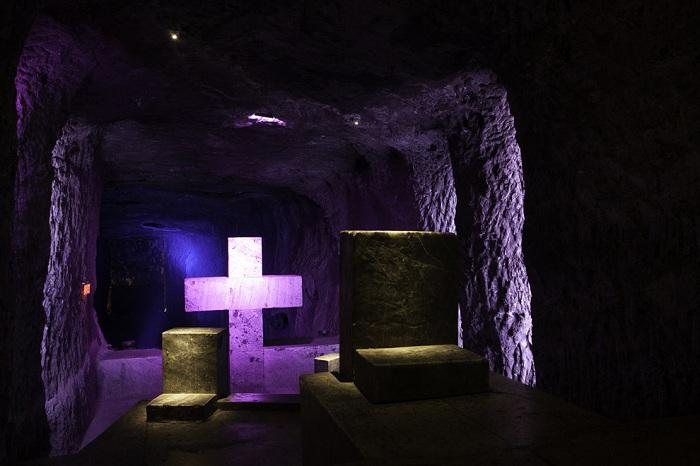 Соляной собор занял первое место в списке семи самых значимых достопримечательностей Колумбии.