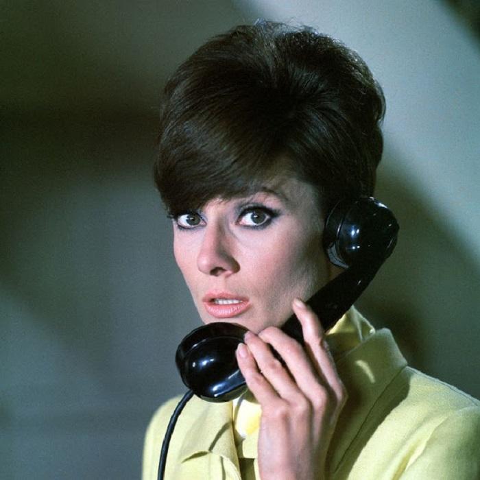 Известная британская актриса позирует фотографу Терри О'Нилу для рекламы «золотой» голливудской комедии «Как украсть миллион».