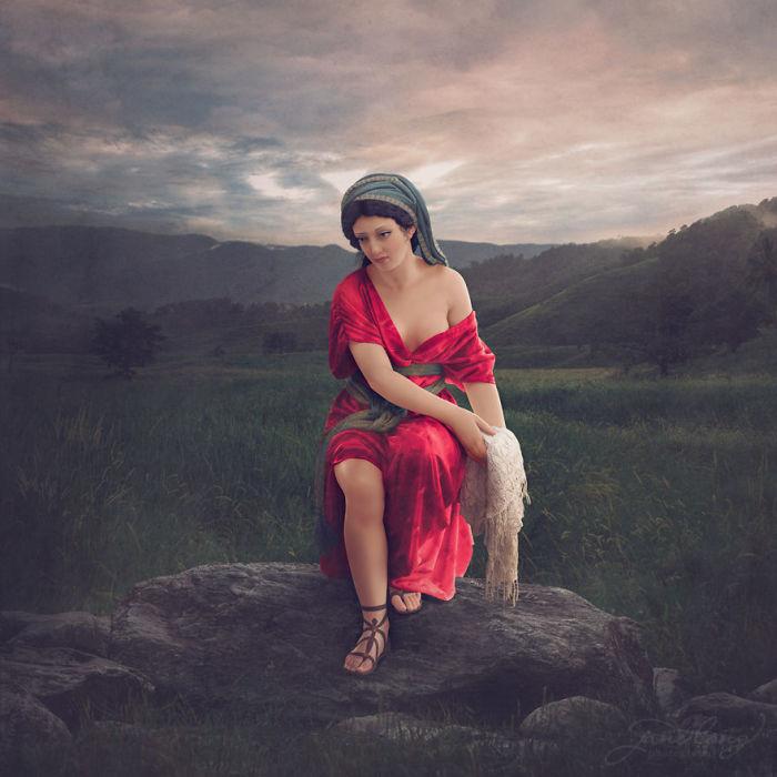Джейн Лонг часто приходилось заниматься раскрашиванием старых фотографий, пока однажды ей пришла в голову идея попытаться раскрасить старинные статуи, подарив им «вторую жизнь».