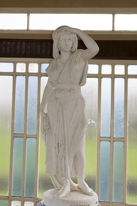 Ревекка - одна из библейских праматерей, являлась женой Исаака и матерью братьев-близнецов Исава и Иакова.