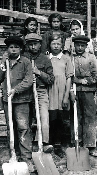 Помощь городу. Сим, 1948 год.