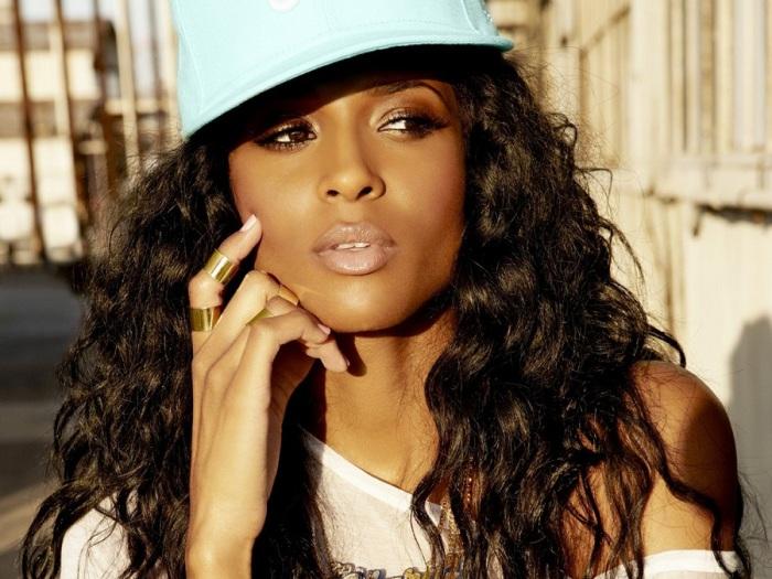 Американская певица, автор песен, продюсер, танцовщица, актриса, модель, режиссёр клипов.