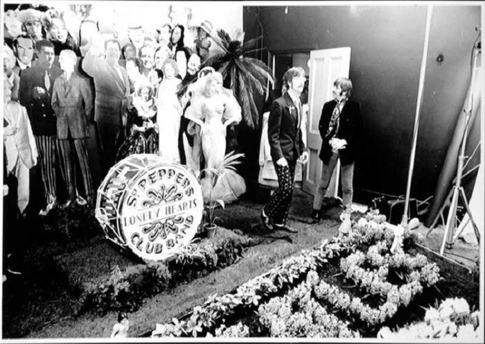 Оркестр клуба одиноких сердец сержанта Пеппера. 1967 год.