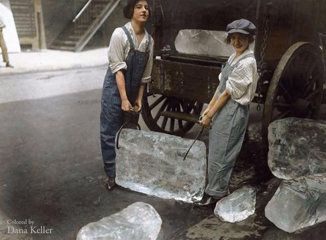 В знойное время женщины доставляли в элитные дома лед, который использовался для охлаждения вина и продуктов.