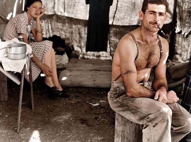 По номеру социального страхования, вытатуированного на руке, удалось установить, что на фотографии запечатлен Томас Кейв.
