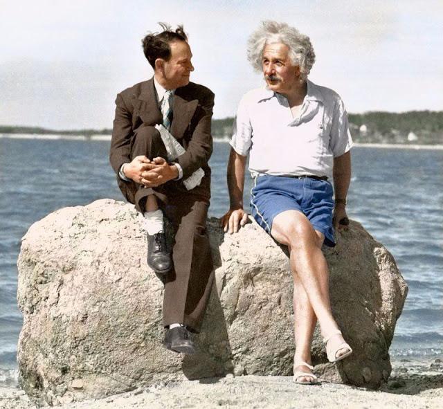 Летний отдых ученого на пляже острова Лонг-Айленд, Нью-йорк.