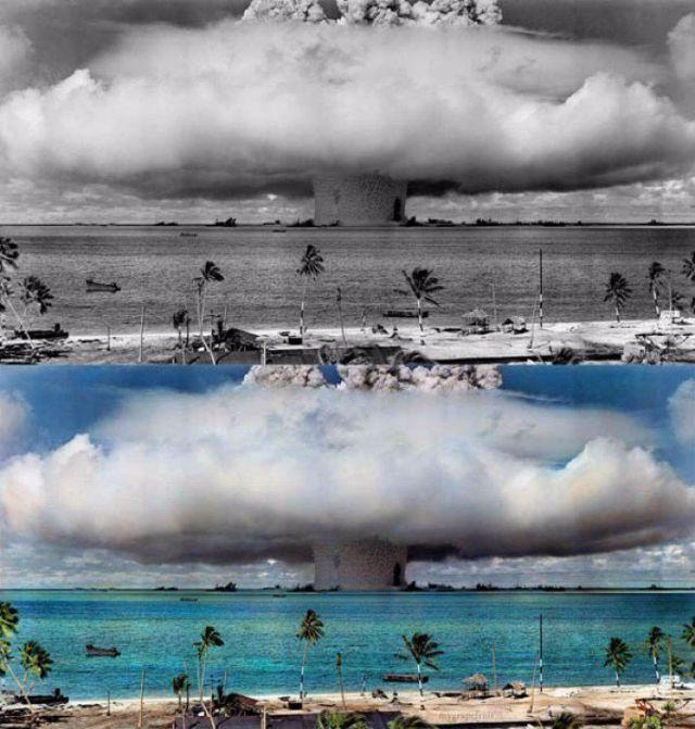 Второй атомный взрыв «Бэйкер», произведенный под водой на глубине 27 метров в ходе американской операции-эксперимента «Перекрестки».