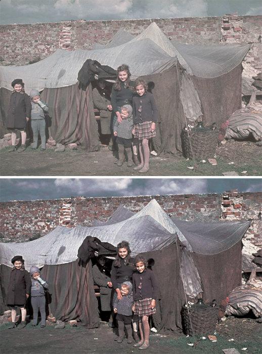 Еврейские девочки с улыбкой позируют нацистскому фотографу Хьюго Егеру рядом со своей палаткой.