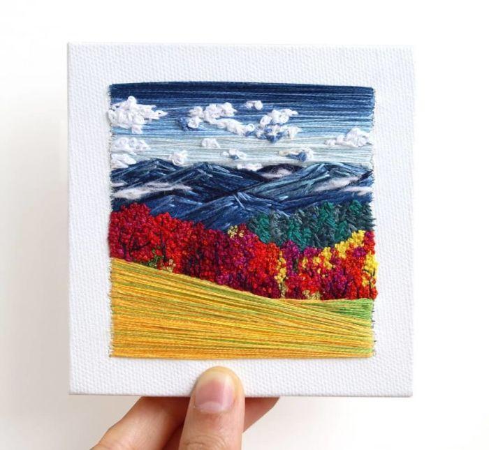 Красочный ландшафт, вышитый вручную.
