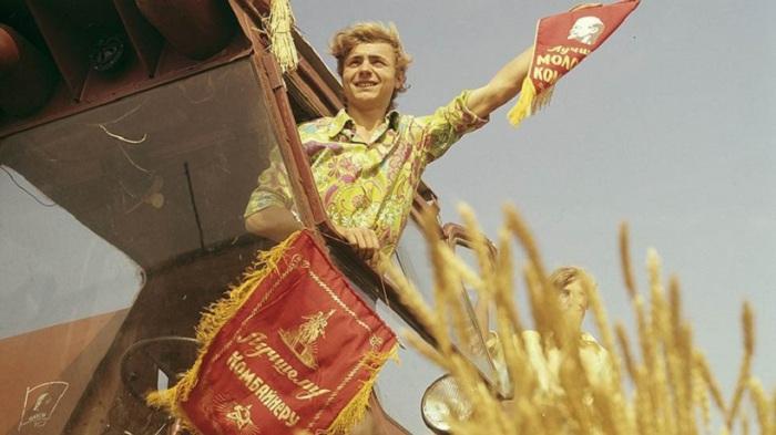 Владимир Панчук - ударник колхоза им. Ильича, Ленинградского района, Краснодарского края.