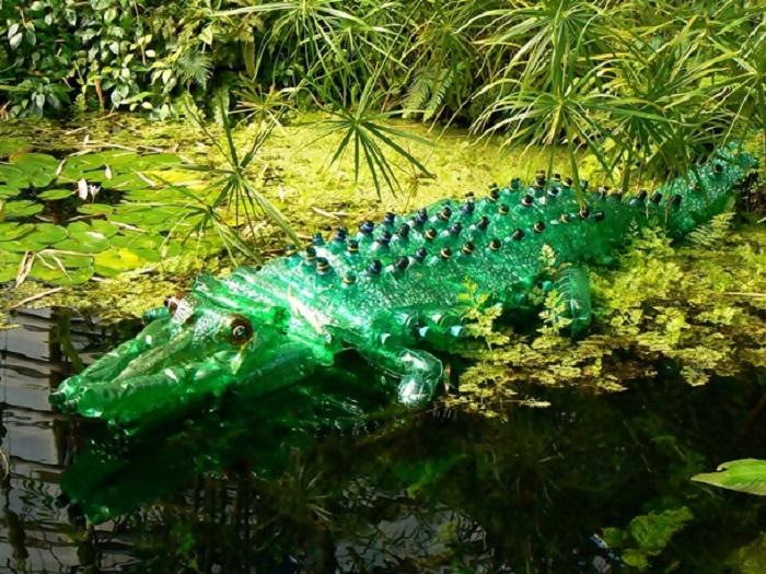 Весёлый крокодильчик - забава для детей.