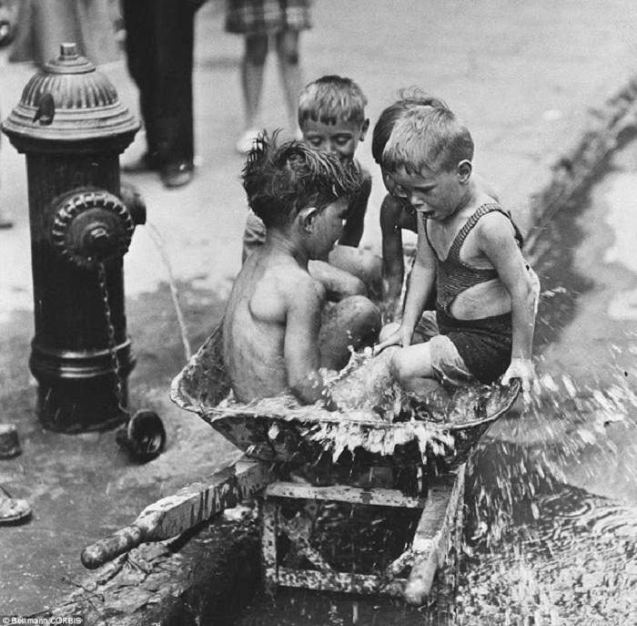 Дети из Нижнего Ист-Сайда, Нью-Йорк, 1937 год.