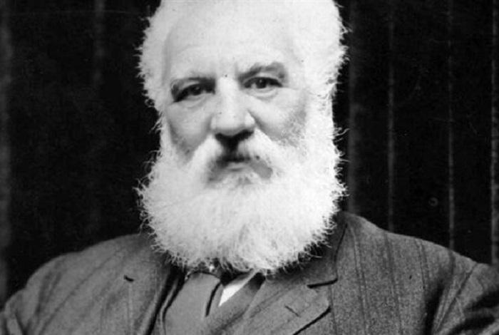 Александр Грэхем Белл - учёный, изобретатель и бизнесмен шотландского происхождения.