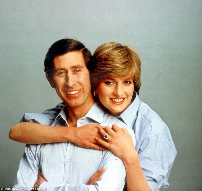 Чарльз и Диана после помолвки, 1981 год.