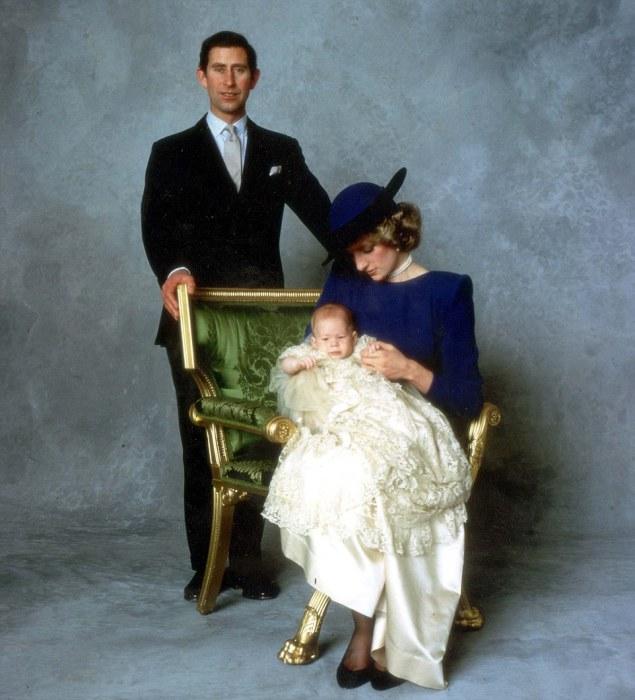 Леди Диана поглощена заботой о сыне.