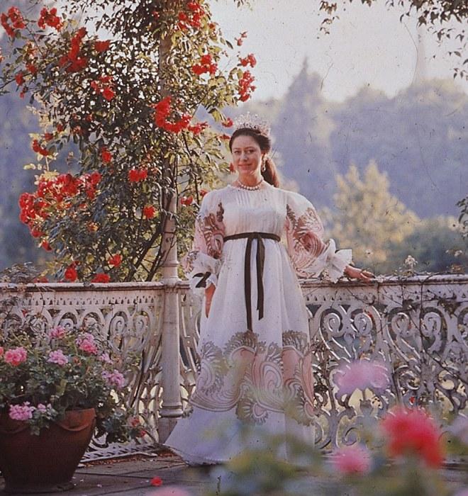 Маргарет прекрасно сочетает традиции и моду.
