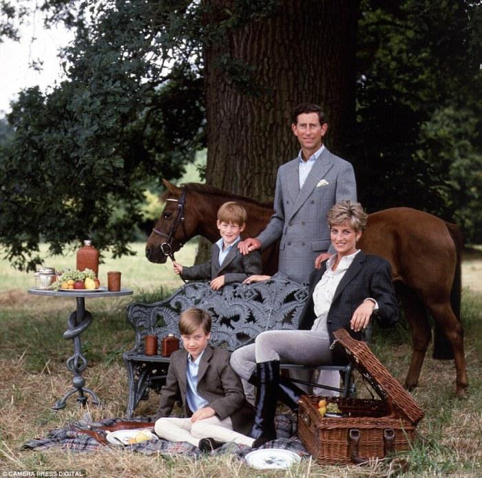 Счастливая супружеская пара с детьми, 1992 год.