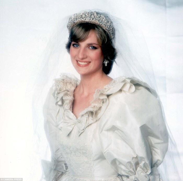 Принцесса Диана в день свадьбы, 1981 год.