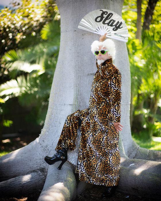 Участник фестиваля «San Diego Comic Con» в образе эпатажного модельера из кинокомедии «Образцовый самец».