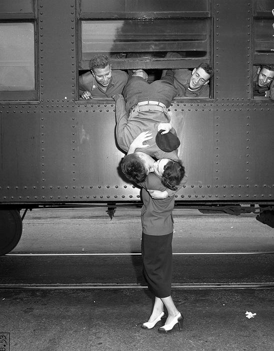 Солдаты отправляются на Корейскую войну, 1950 год.