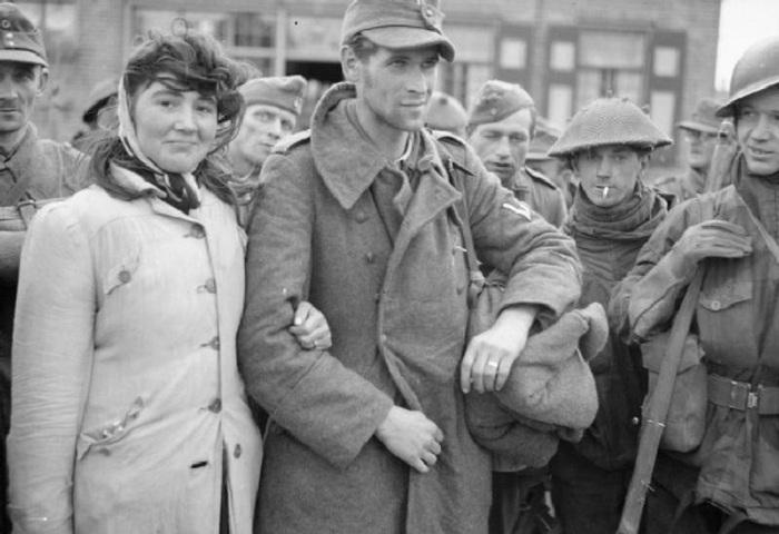 Голландка отказалась покидать своего мужа, немецкого солдата, после того, как его взяли в плен.