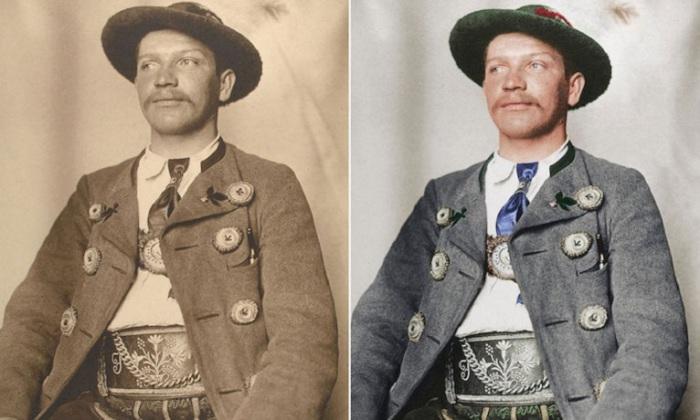 Шерстяная куртка с огромными пуговицами подтверждает, что человек, представленный на снимке, является по профессии баварским охотником.