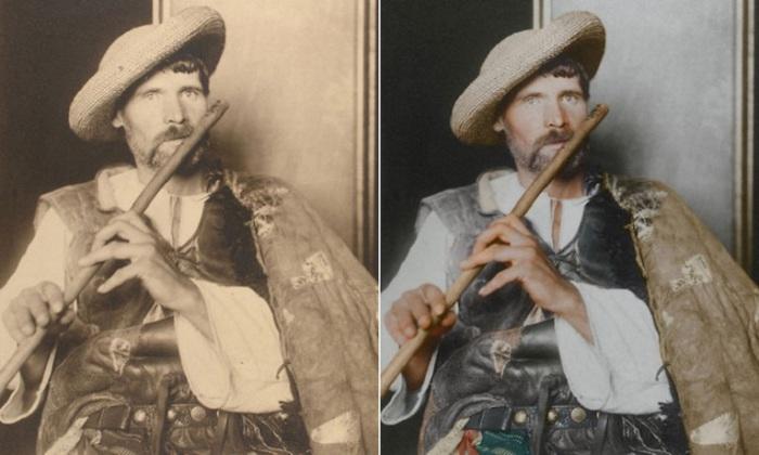 Наемный работник в соломенной шляпке, в белой сорочке с длинными рукавами и дубленке на плече.