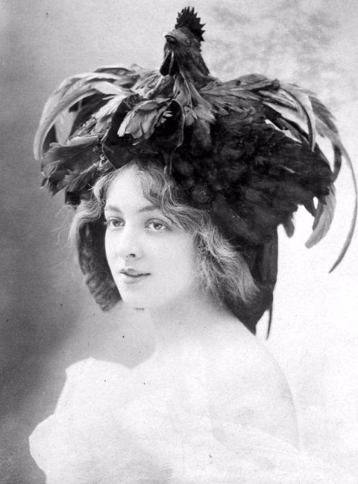 Французская актриса немого кино.