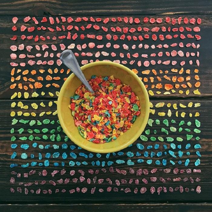 Кукурузные хлопья всех цветов радуги.