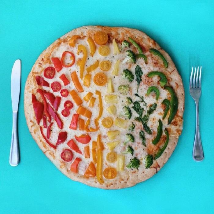 Пицца Инь-Янь.