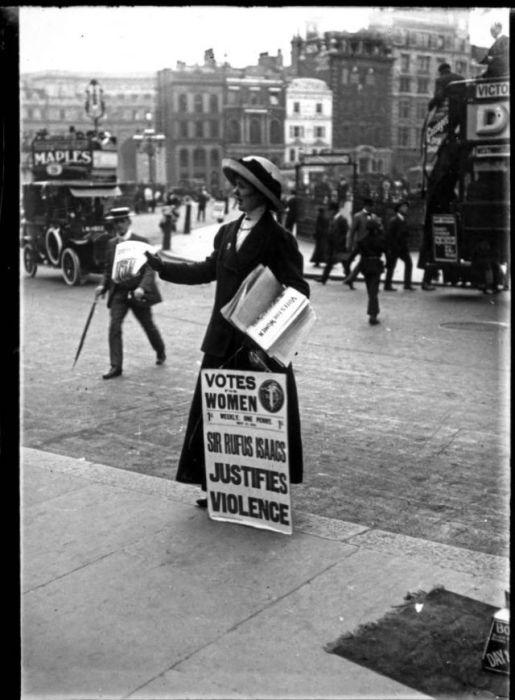 Торговля газетами и журналами. Англия, 1900 годы.