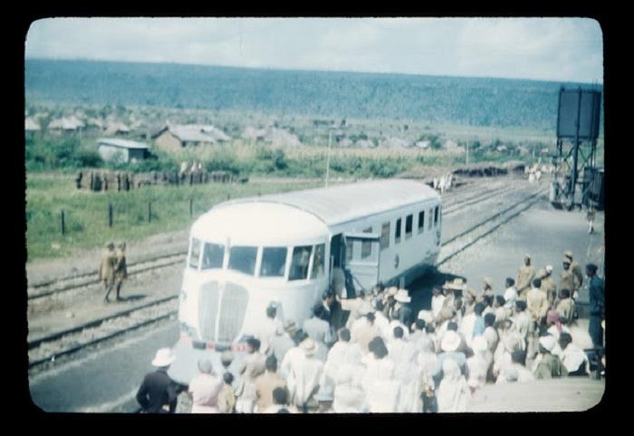 Зажиточные люди могли приобрести себе билет и проехать в транспорте.