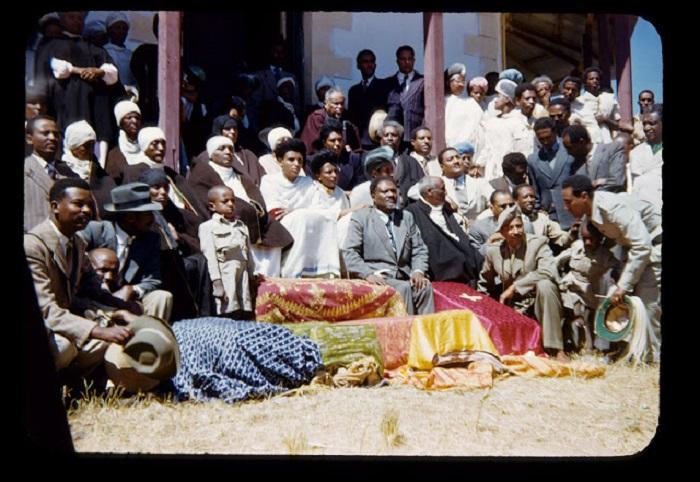 Богатые эфиопы на ритуальном обряде.