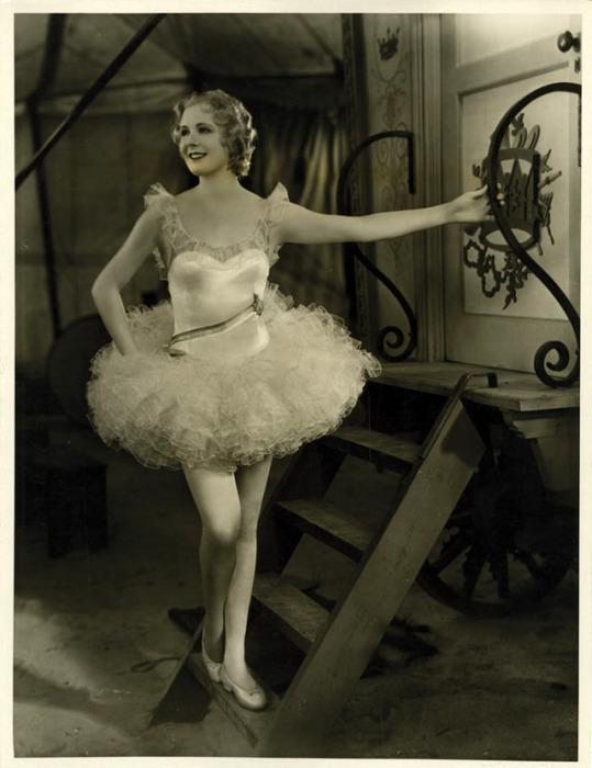 Мэрилин Миллер— американская актриса и танцовщица, одна из самых популярных звёзд Бродвея.