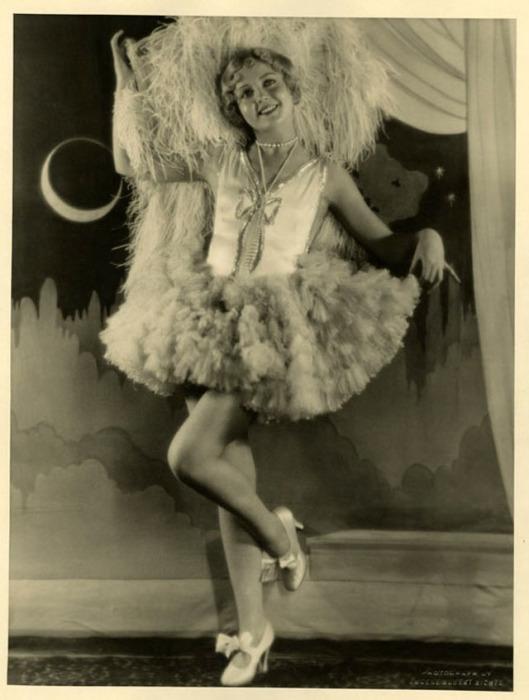 Умение перевоплощаться в образ - это главное качество актрисы Нэнси Кэрролл.