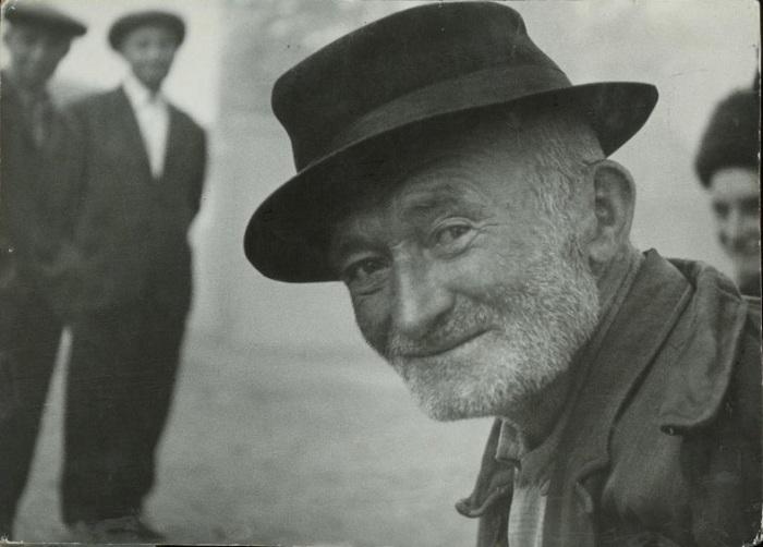 Портрет пожилого мужчины, сделанный фотографом-этнографом во время одной из экспедиций.