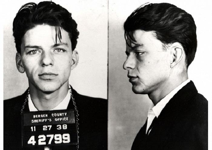23-летний Фрэнк в 1938 году был арестован за измену.