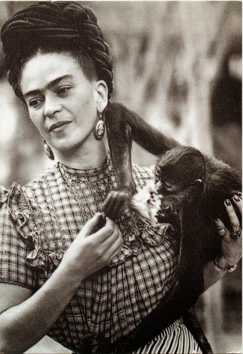 Любимая обезьяна Фриды, Мехико, 1944 год.