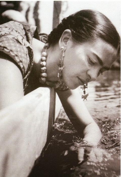 Фрида катается на лодке по Сочимилько, Фриц Генле, 1936 год.